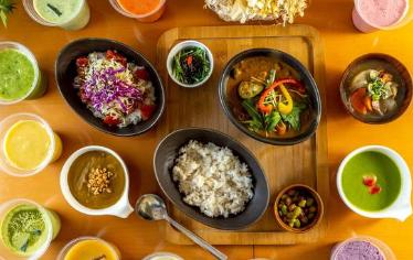 uber eats ウーバーイーツ ダイエット 痩せる方法 野菜 サラダ ヘルシー 置き換えダイエット 女性 男性 京都 musubi-cafe祇園鴨川 musubi-cafe Gion Kamogawa